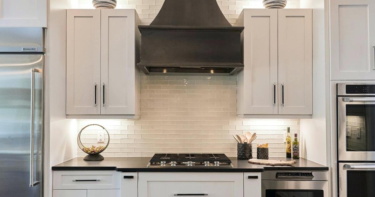 modern-kitchen-cabinets-two-toned-cabinets-modern-small-kitchen-designs-2019